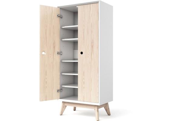 Маленький шкаф с полками